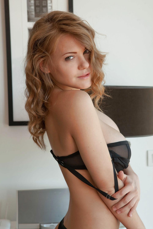 Naturlig skönhet med stora bröst